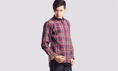 model fashion pria motif plaid