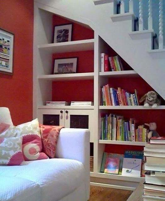 desain lemari buku keren