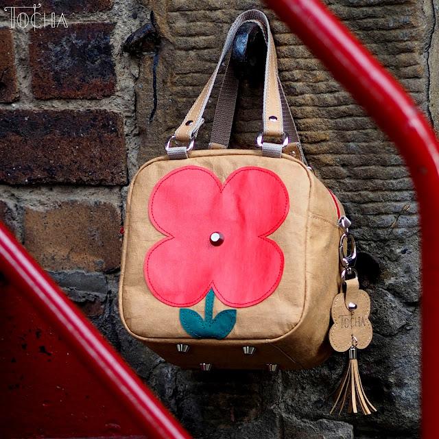 urban, city, flower, handbag, Washpapa, crossbody bag, red flower, vegan leather, washable paper, kraft paper, craft paper, PSP Wykroje krawieckie, PDF Sewing Patterns, Edinburgh,