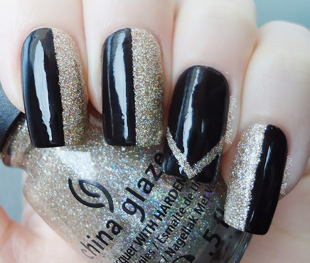 New Years' Eve nails: black and glitter