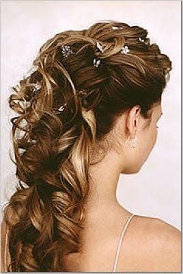 Peinado semirecogido con ondas para fiesta