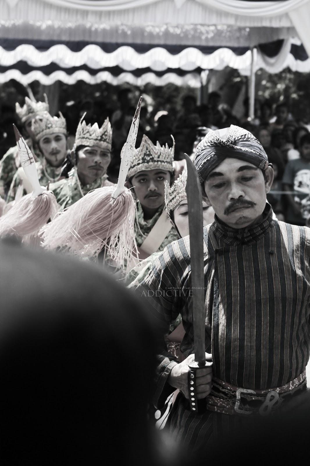 Reog Gunungkidul Kaka Widiyatmoko Pentul Men Hutan Tleseh And Friend Kesenian Di Penari Rest Area Bunder Warok