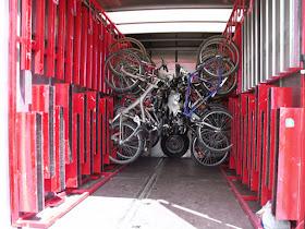 Remolque para bicis en la línea 691 de Madrid al Puerto de Navacerrada y Cotos