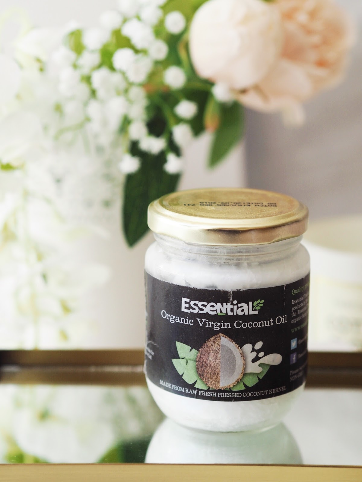 coconut oil uses blogger review vegan body care