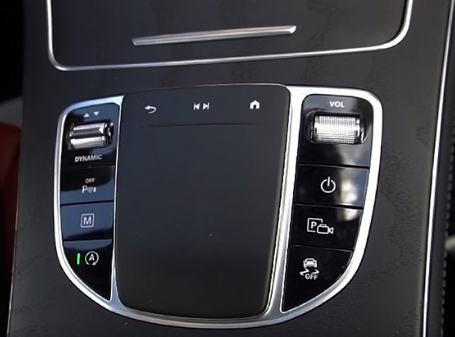 Mercedes-Benz-GLC300-4matic-center-console-panel