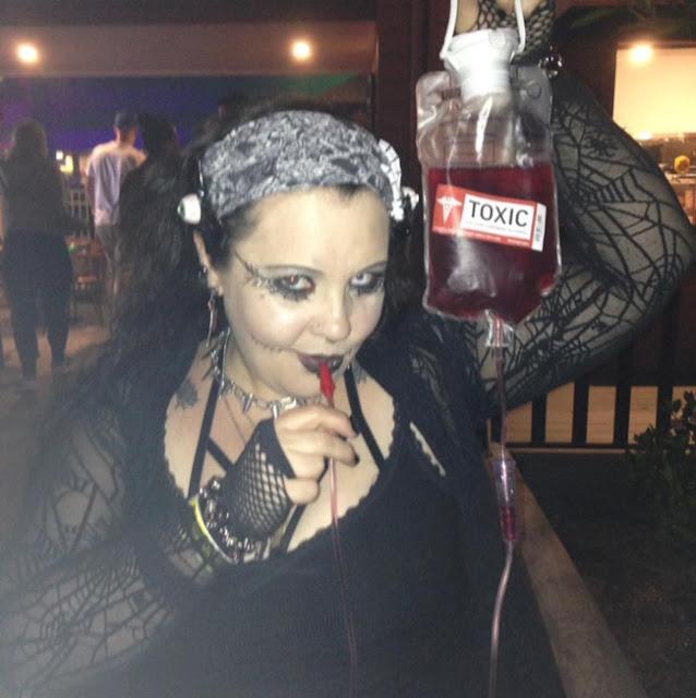 georgina condon wanita vampir penghisap darah dari australia