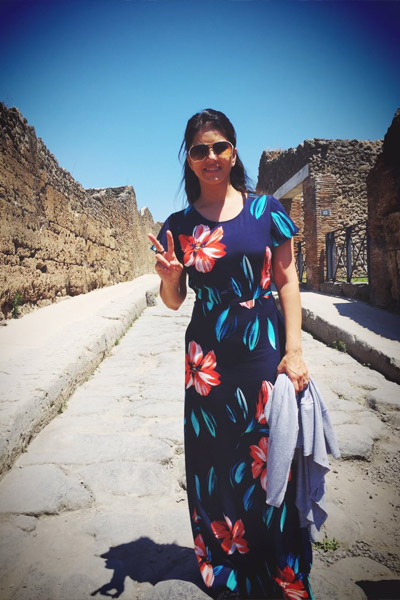 Sunny Leone Holiday Pictures with Daniel Weber And in-laws in Italy
