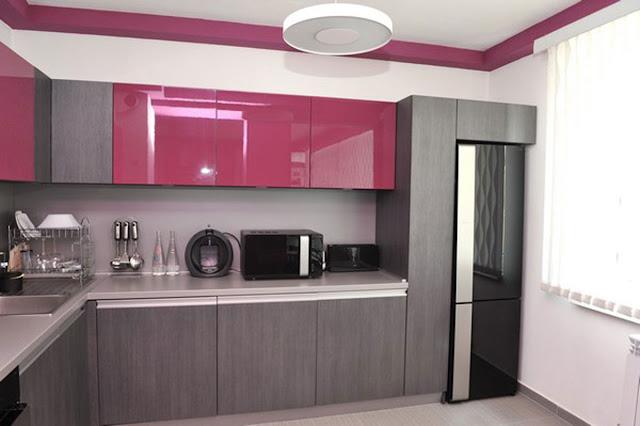 desain dapur kecil minimalis ungu dan abu-abu