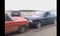 شاهد بالفيديو  التحدى بين السيارتين القديمة والجديدة