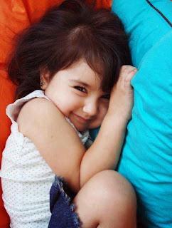 güzel sevimli bebek kız