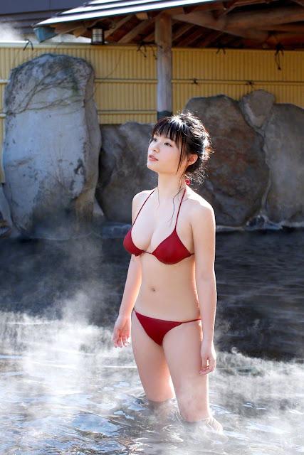 星名美津紀 Hoshina Mizuki Bikini At Onsen Pictures 07