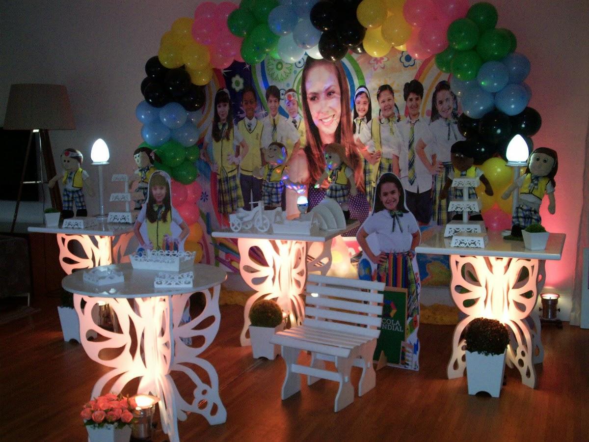 Decoração de festa infantil em estilo provençal com mesas borboletas para aniversário de meninas