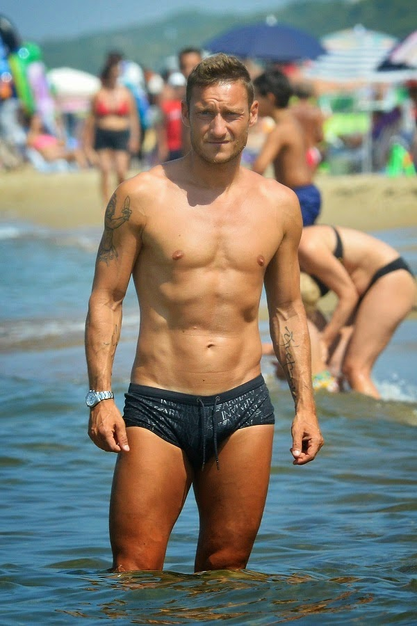escort gay rumeni calciatori gay nudi