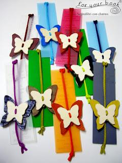 segnalibro colorato con elastico chiudilibro e ciondolo farfalla