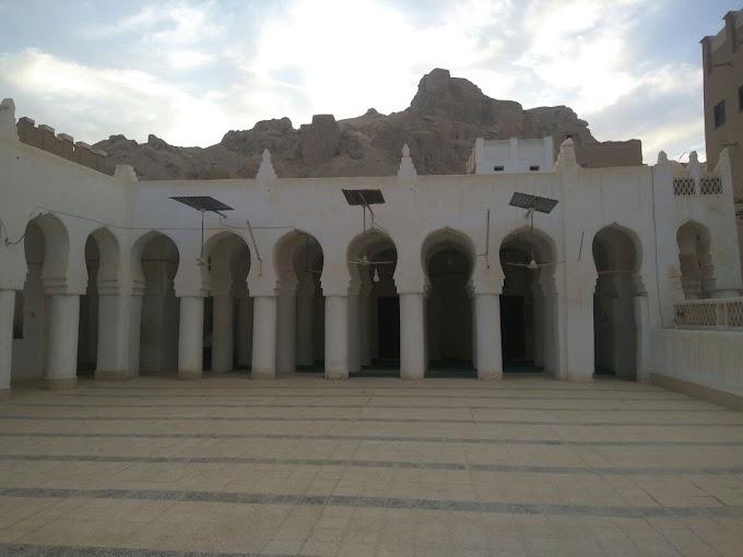 Menelisik Sejarah Masjid Wa'al;  Masjid yang Pertama Berdiri di Bumi Sejuta Wali