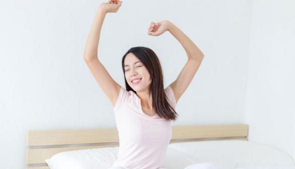 Kebiasaan Bangun Tidur yang Membantu Tetap Awet Muda