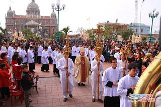 Tuần chầu thánh gia thất quan thầy Đền Thánh Kiên Lao