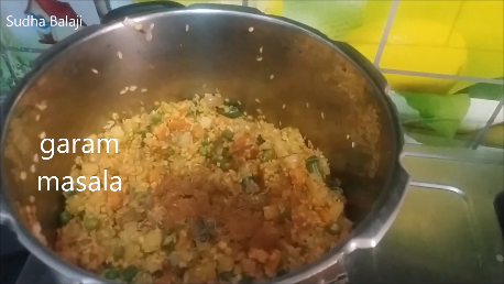 khichdi-recipe-thru-pictures-1b.png