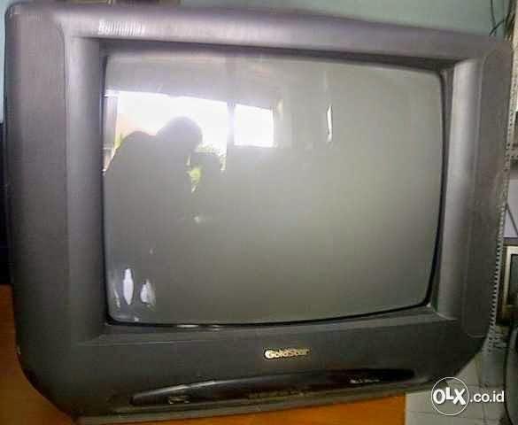 TV GOLDSTAR NYALA SEBENTAR TERUS MATI 1