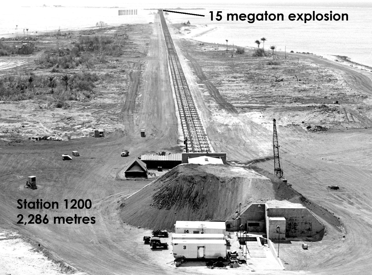 Bikini atoll nuclear test 1952