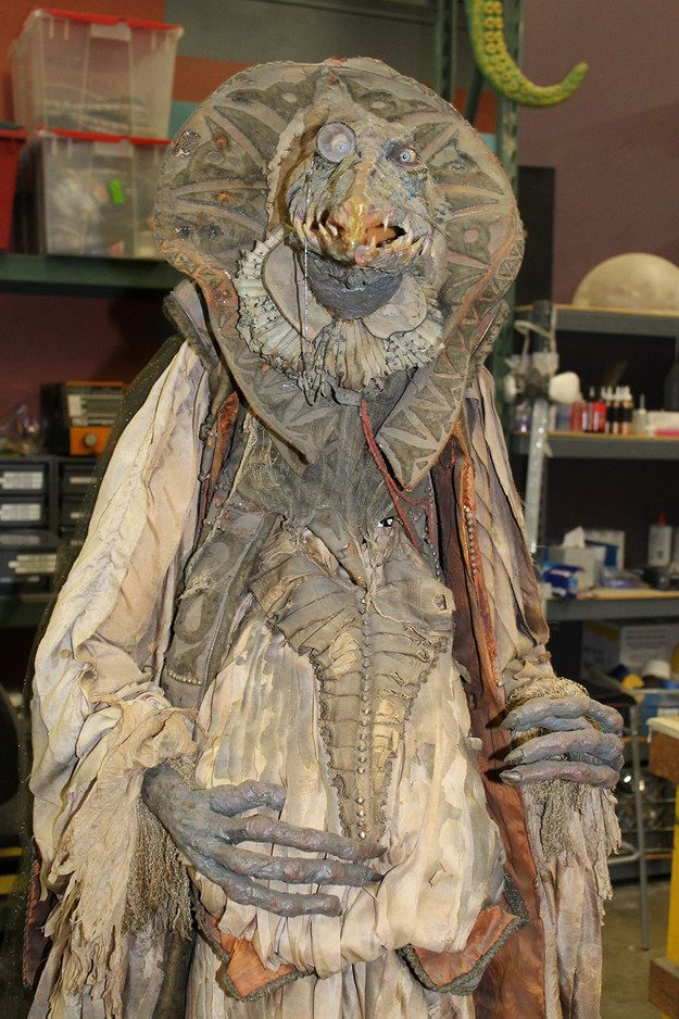15 behind the scenes photos from the dark crystal