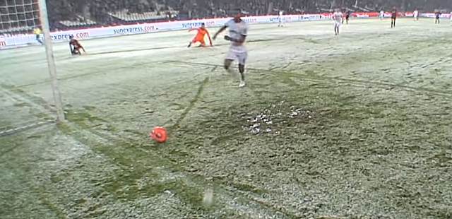 Genki Haraguchi open goal attempt stopped by snow