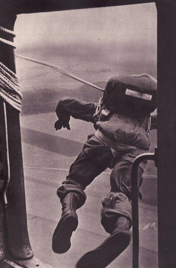 Fallschirmjäger worldwartwo.filminspector.com parachutist leaping