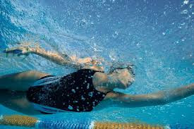 Cuida tu corazón nadando