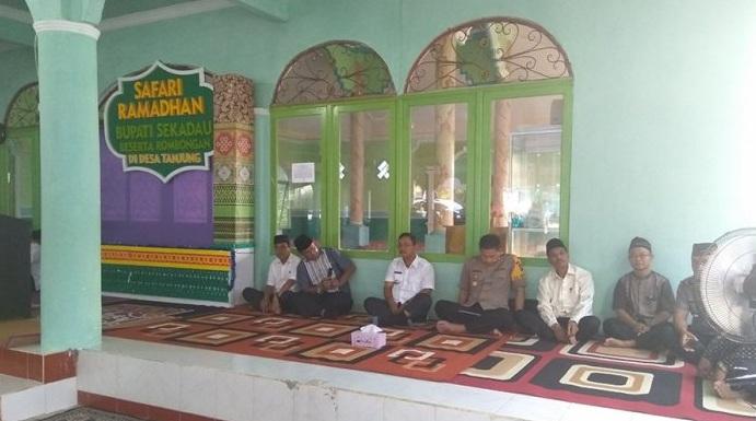 Safari Ramadhan Pemkab Sekadau di Desa Tanjung