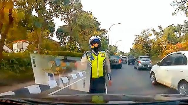 Lolos tilang berkat video dashcam