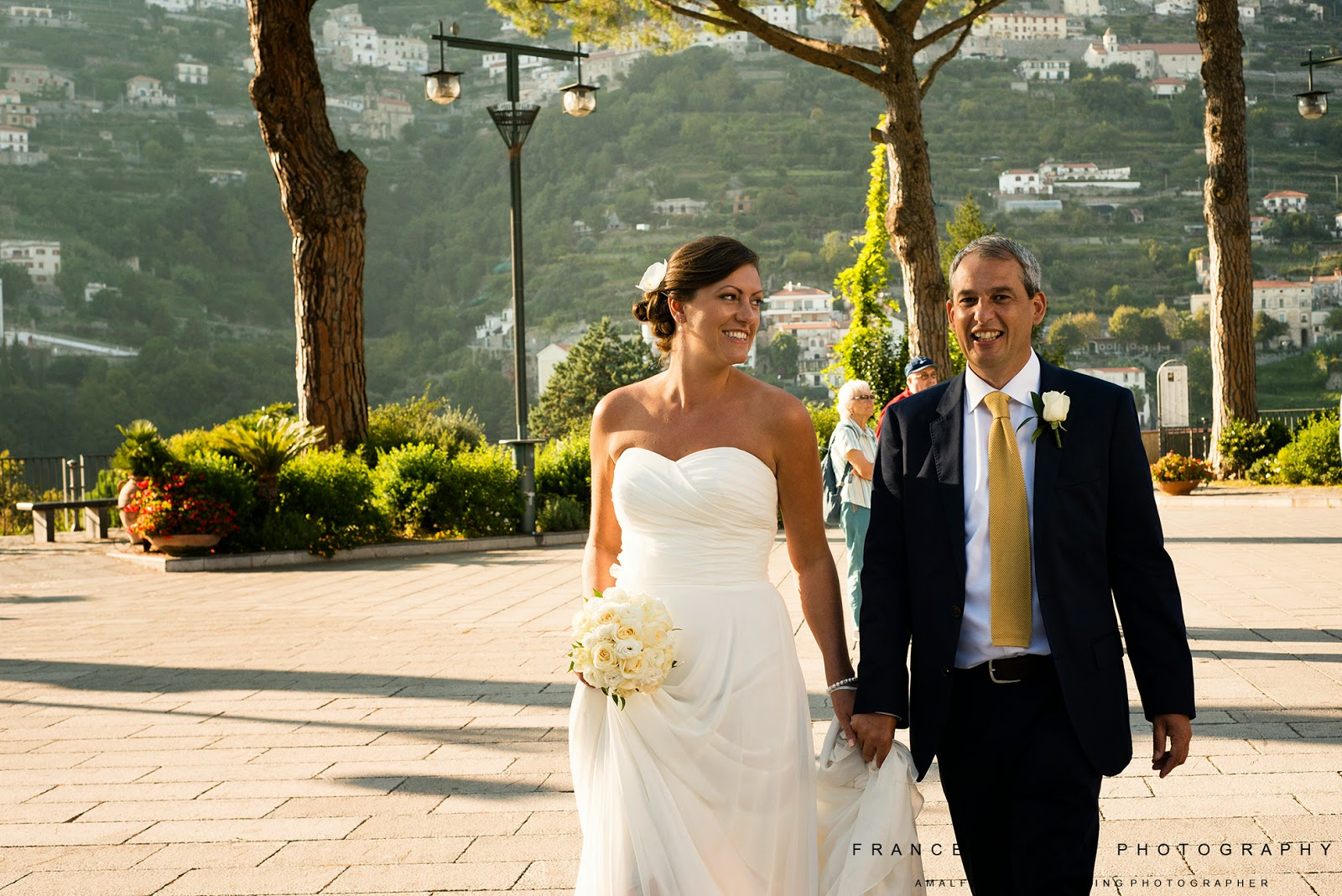 Bride and groom in Ravello town square