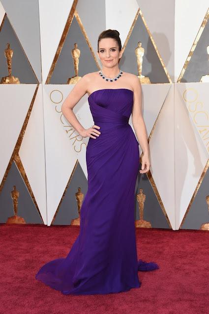 Tina Fey vestido roxo Oscar 2016