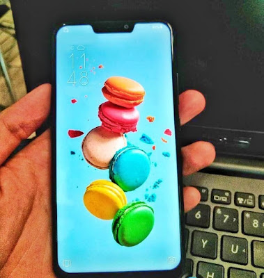 Asus Zenfone 5 Hands on image leaked , shows iPhone X-like notch