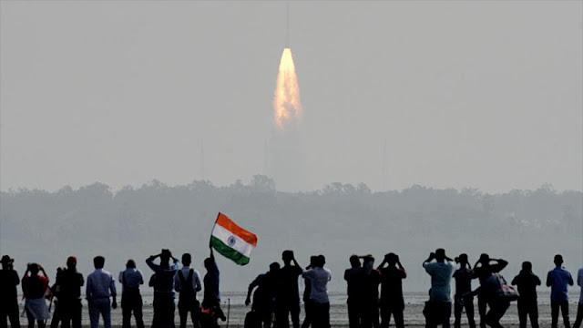 La India pone en órbita 104 satélites con un solo cohete