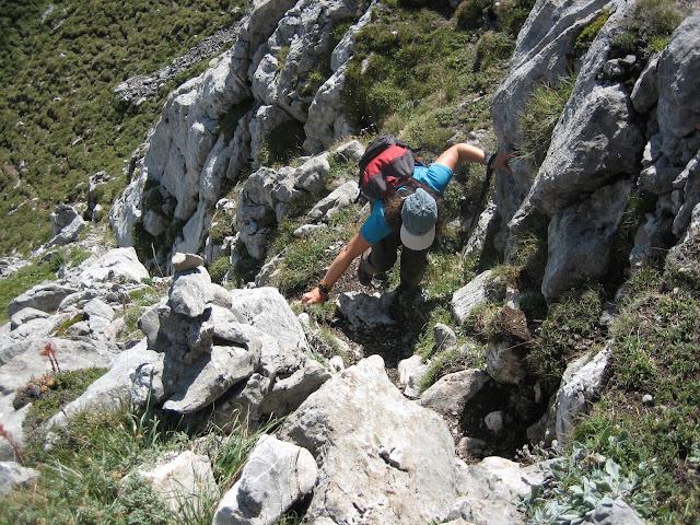 Rutas Montaña Asturias: Subiendo la torre de Peña Ubiña Pequeña