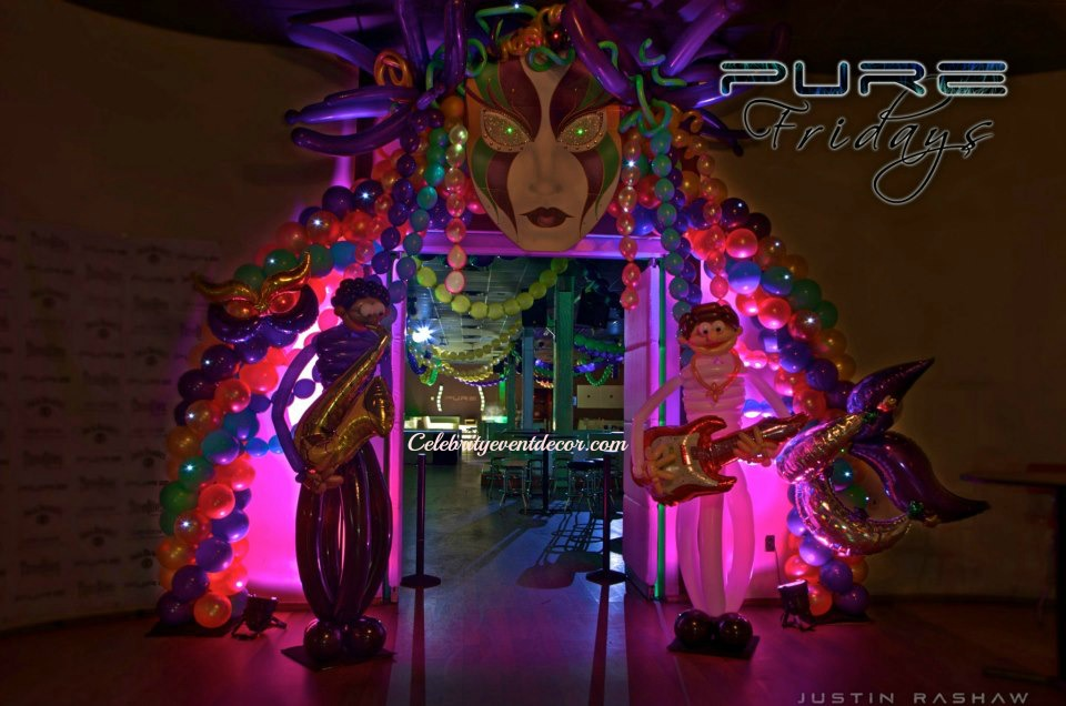 Mardi Gras Arch and columns #balloons #balloonarch #decor ...