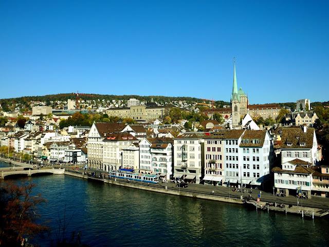Qué ver en Zúrich en un día. Dónde dormir, comer y cómo moverse.