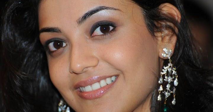 Kajal Aggarwal Having Very Beautiful, Romantic Looks And