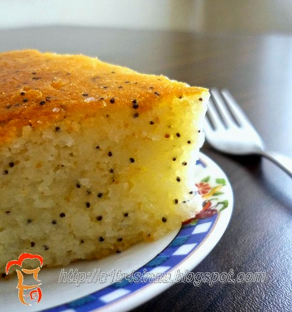Turkish Poppy Seeds Semolina Pudding / Revani   Çitra's Home Diary. #semolina #turkishdessert #resepmasakanturki #revani #dessertrecipe
