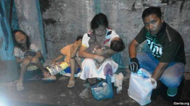 Wanita Penjual Baju Bekas Jadi Viral, Bercerai Saat Mengandung Anak ke 3 Hingga Diusir Orang Tua