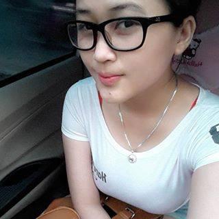 http://foto-indonesia-sexy-model.blogspot.co.id/2016/06/dewi-purnama-sari-tampil-menggoda-di-majalah-popular.html