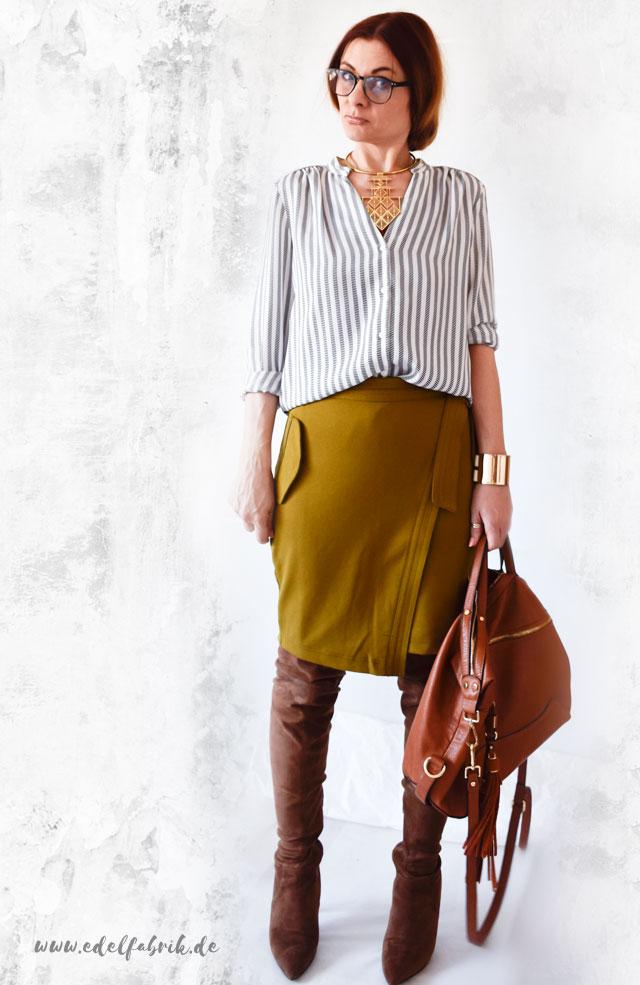 die Edelfabrik, Outfit mit Bleistiftrock, Overknees und Bluse, große Tasche