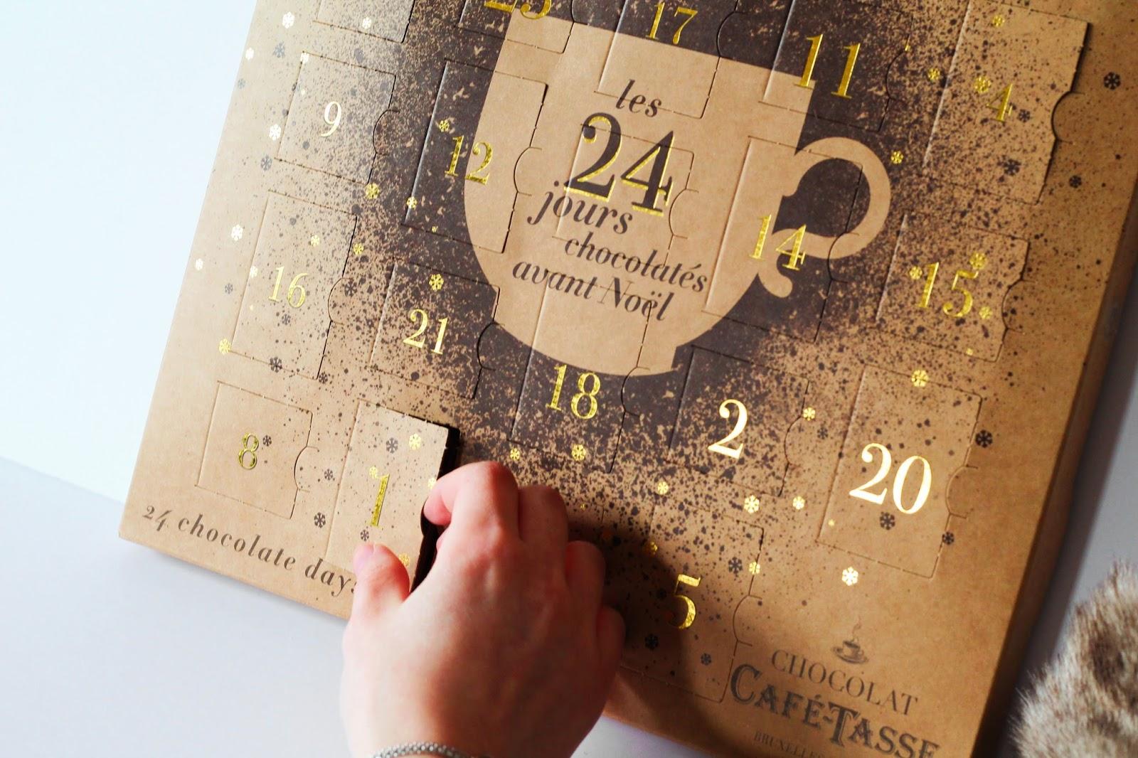 concours calendrier de l'avent noel christmas xmas chocolat belge café tasse café-tasse à gagner gourmand gourmandises connaisseurs les gommettes de melo gommette tentez votre chance gratuit léonidas leonidas gianduja amoureux couple