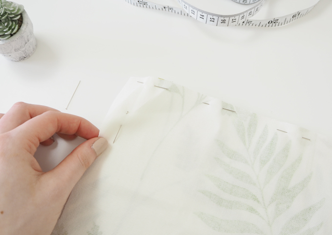 DIY Interiors How to make a botanical cushion pinning the fabric