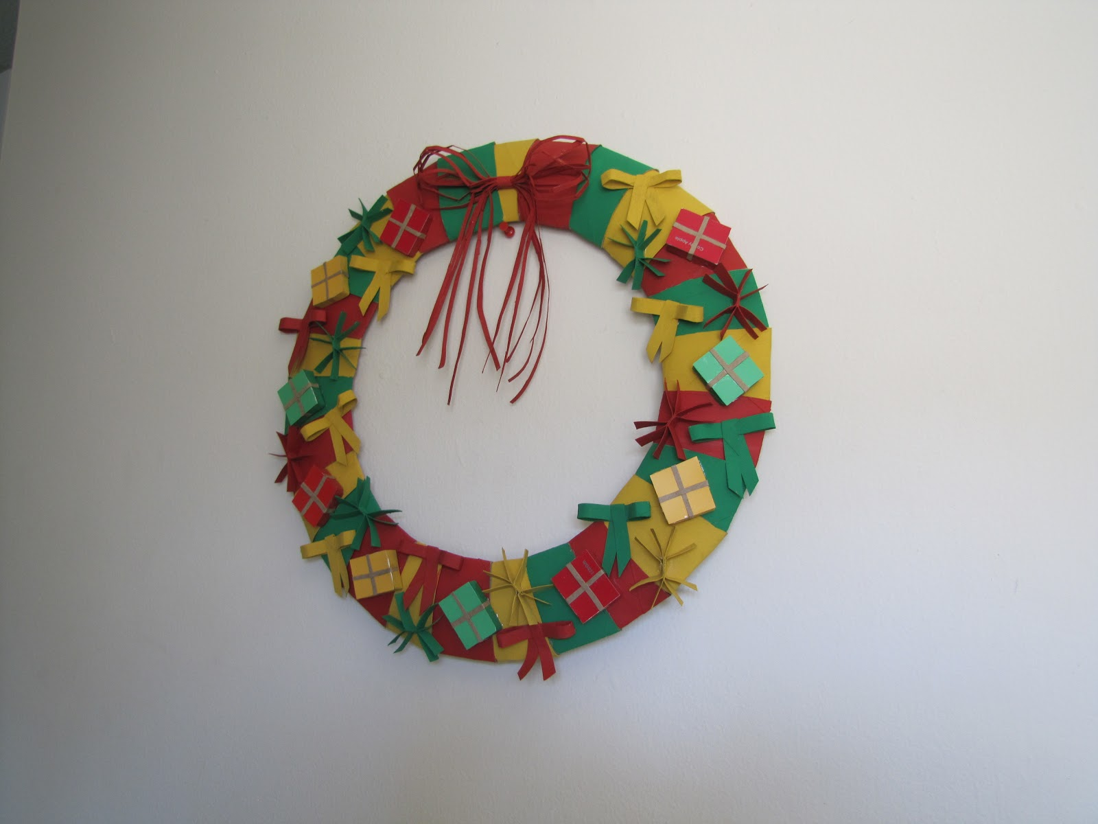 Can You Color Toilet Paper For Paper Wreath Craft