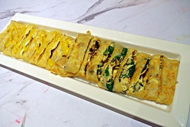 超長蛋餅(起司豬排、九層塔炒菇)