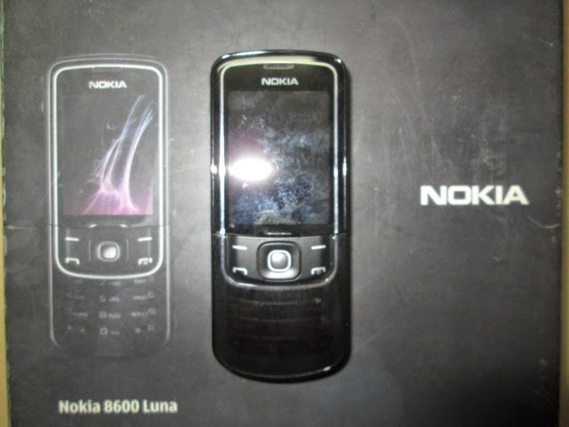 Nokia jadul 8600 luna
