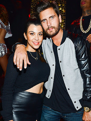Kourtney and scott officially back together
