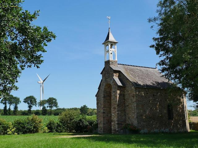 lieu dit au grand fougeray, petite chapelle
