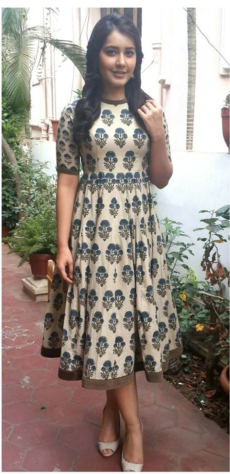 Hot Photo Shoot Of Rashi Khanna In Blue Dress